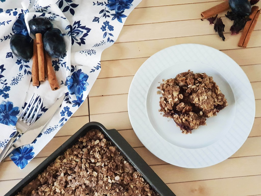 How to make the best Plum Oat Crisp recipe from scratch.