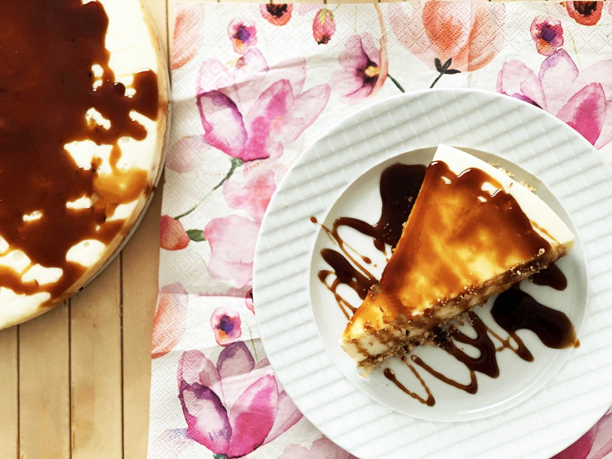 The Best Cream Carmel Biscuit Pie recipe. easy recipe